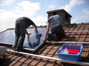 how many solar panels you will need will depend on your energy usage needs